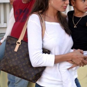 💯Angelina jolie 💯 louis vuitton zipper bag